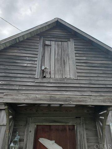 Porch featured at 54 White Plains Rd, Engelhard, NC 27824