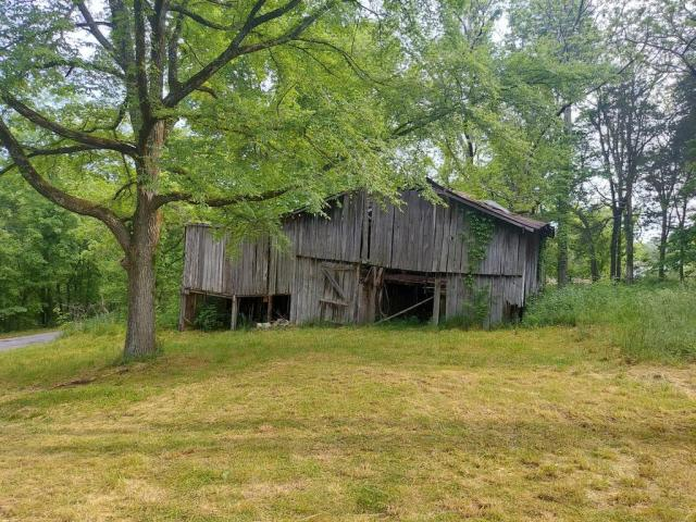 Farm land featured at 1865 Hawkins Rd, Westmoreland, TN 37186