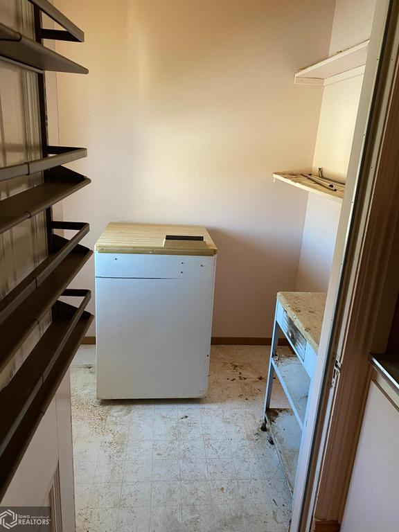 Laundry room featured at 502 Broad Ave, Stanton, IA 51573