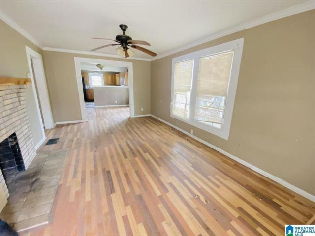 Living room featured at 801 Parker St, Anniston, AL 36201