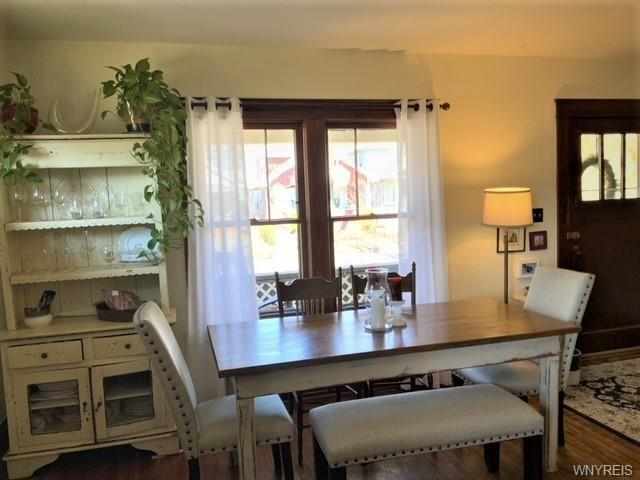 Dining room featured at 2443 Willow Ave, Niagara Falls, NY 14305