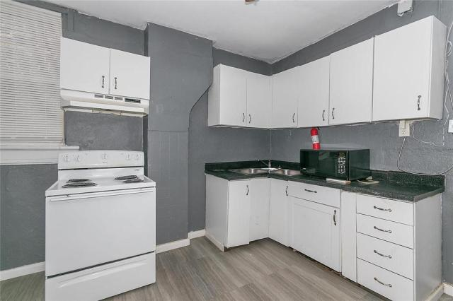 Kitchen featured at 3619 N Taylor Ave, Saint Louis, MO 63115