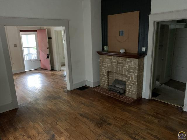 Property featured at 1722 SW Lane St, Topeka, KS 66604