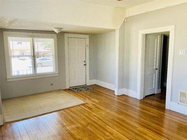 Property featured at 321 N Julian St, Altus, OK 73521