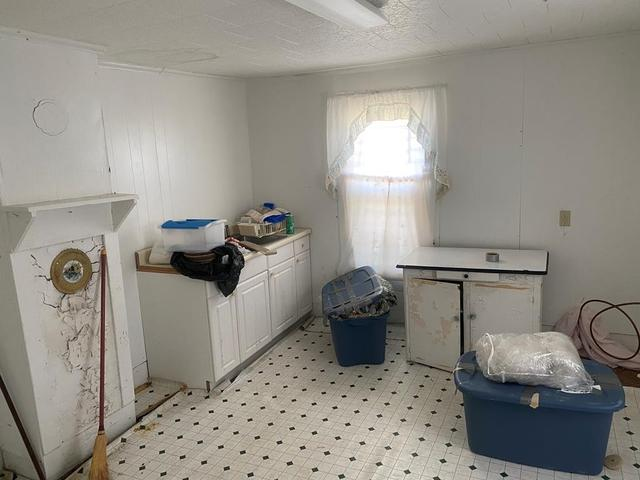 Laundry room featured at 35128 Seaside Rd, Painter, VA 23420