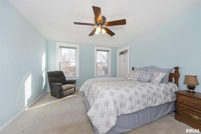 Bedroom featured at 1219 N Garfield Ave, Peoria, IL 61606