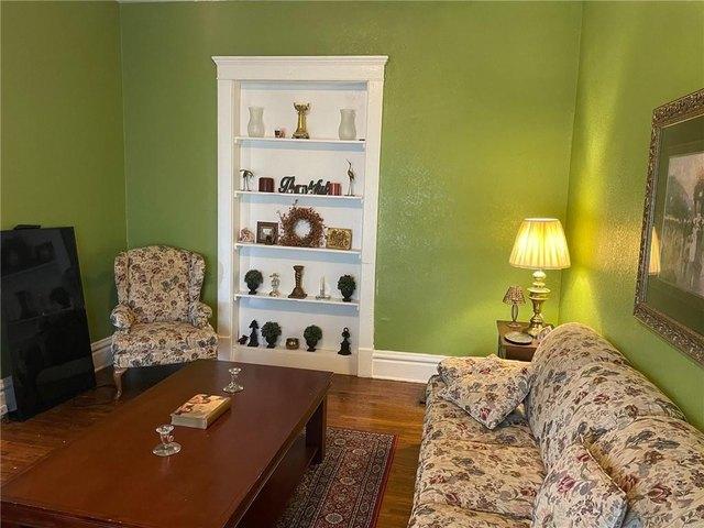 Living room featured at 2075 E William St, Decatur, IL 62521