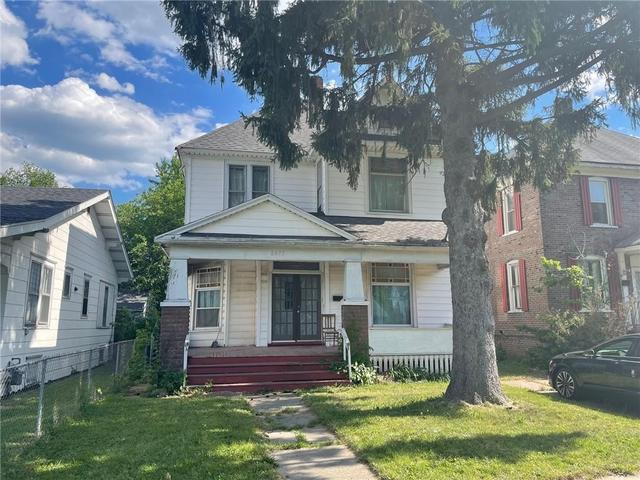 House view featured at 2075 E William St, Decatur, IL 62521