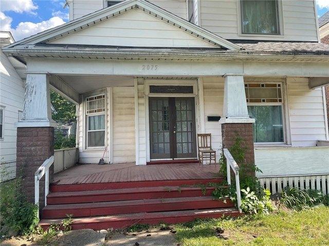 Porch featured at 2075 E William St, Decatur, IL 62521