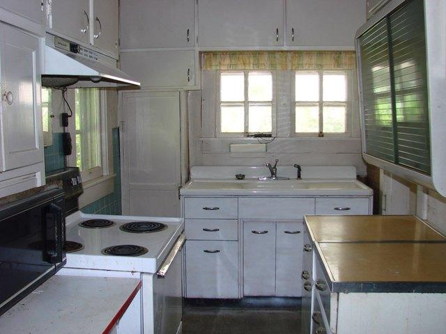 Kitchen featured at 107 N Porter St, Paris, TN 38242