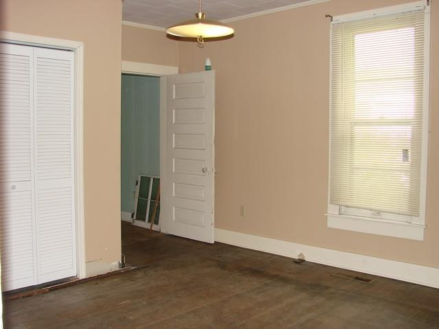 Bedroom featured at 107 N Porter St, Paris, TN 38242