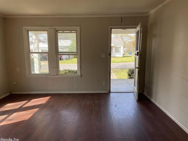 Property featured at 917 McBee St, Malvern, AR 72104