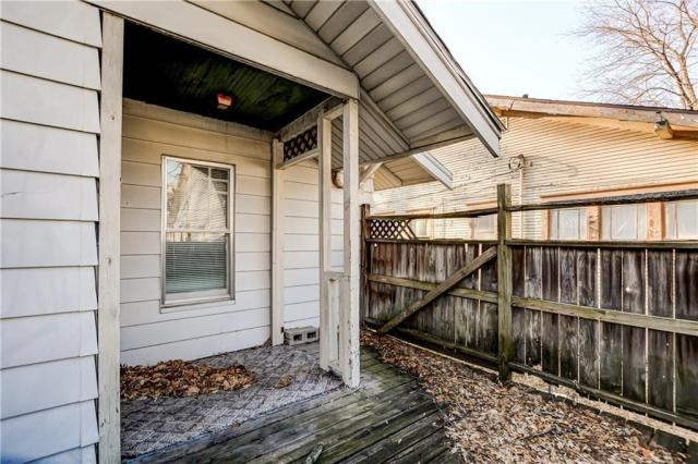 Porch featured at 214 Taylor Ave, Decatur, IL 62522