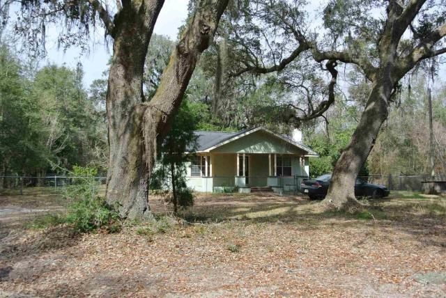 House view featured at 5714 Sunbeam St, Milton, FL 32570