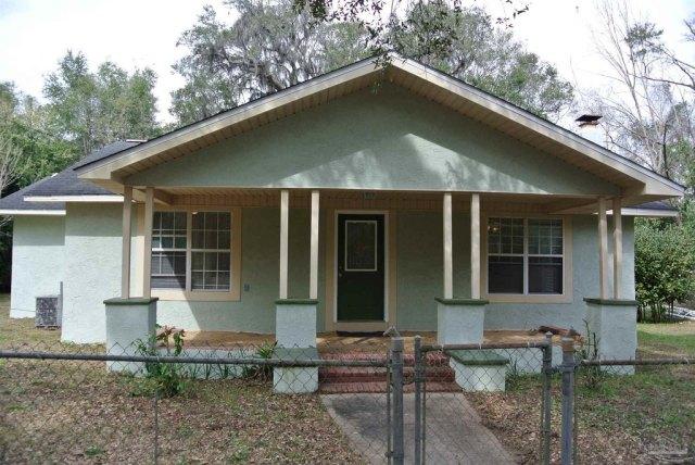 Porch featured at 5714 Sunbeam St, Milton, FL 32570