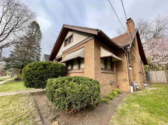 House view featured at 1611 N Court St, Rockford, IL 61103