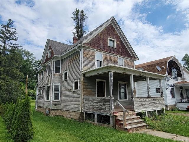 Porch featured at 24 Stevens Ave, Friendship, NY 14739