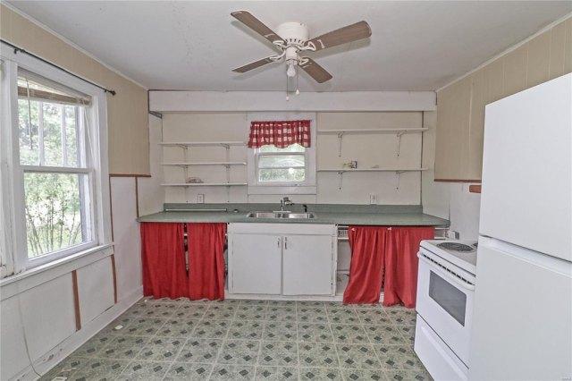 Kitchen featured at 606 W School St, Crocker, MO 65452