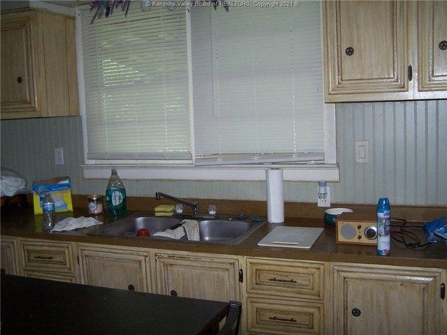 Kitchen featured at 228 Salt Lick Rd, Gallipolis Ferry, WV 25515