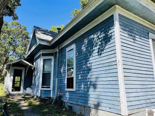 House view featured at 211 W Elm St, Marion, KY 42064