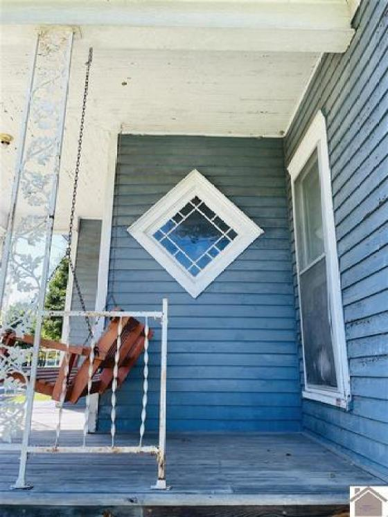 Porch featured at 211 W Elm St, Marion, KY 42064