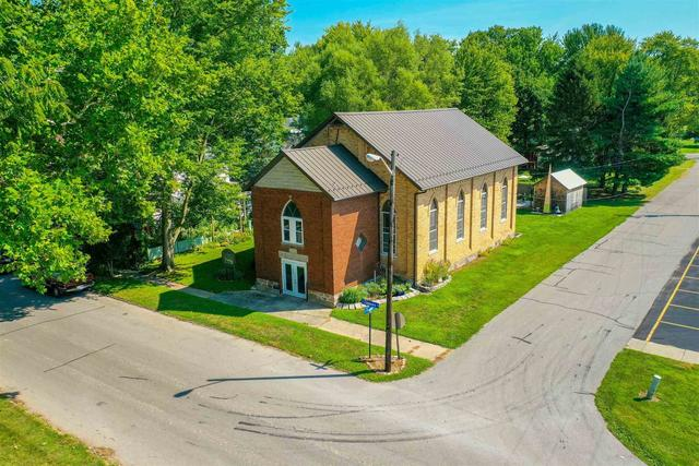 House view featured at 435 S Chippewa Rd, Roann, IN 46974