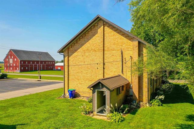 Yard featured at 435 S Chippewa Rd, Roann, IN 46974