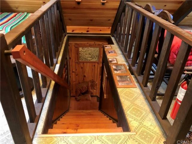 Porch featured at 41271 Chinquapin Rd, North Fork, CA 93643