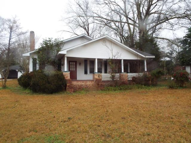 House view featured at 719 College St, Tylertown, MS 39667
