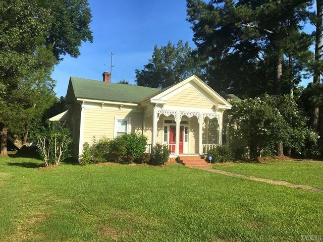 Yard featured at 408 S Main St, Rich Square, NC 27869