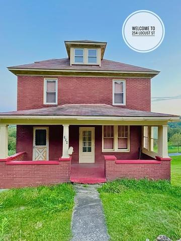 Porch yard featured at 254 Locust St, Windber, PA 15963