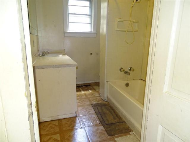 Bathroom featured at 415 N 17th St, Fort Smith, AR 72901