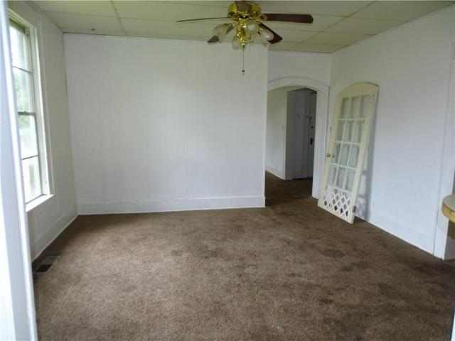 Bedroom featured at 415 N 17th St, Fort Smith, AR 72901