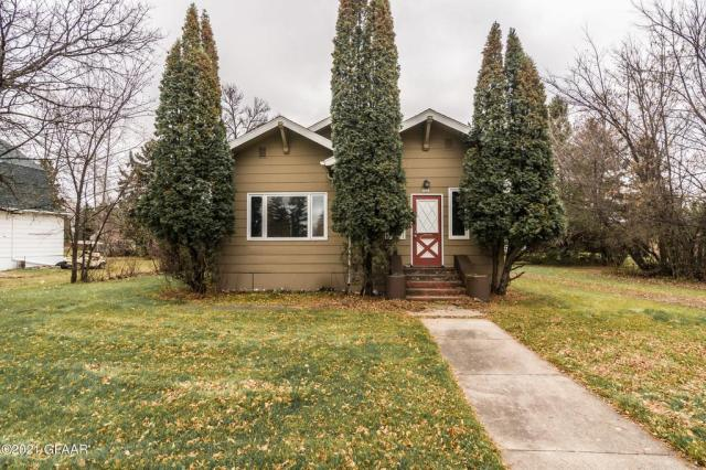 House view featured at 107 Riverside Dr, Stephen, MN 56757