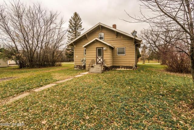Yard featured at 107 Riverside Dr, Stephen, MN 56757