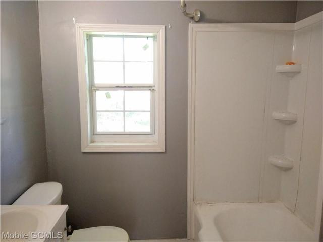 Bathroom featured at 2114 Bucker Pl, Mobile, AL 36605