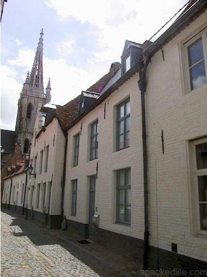 15 Great Things To Do In A Day In Leuven, Belgium - Klein Begijnhof, Petit Beguinage