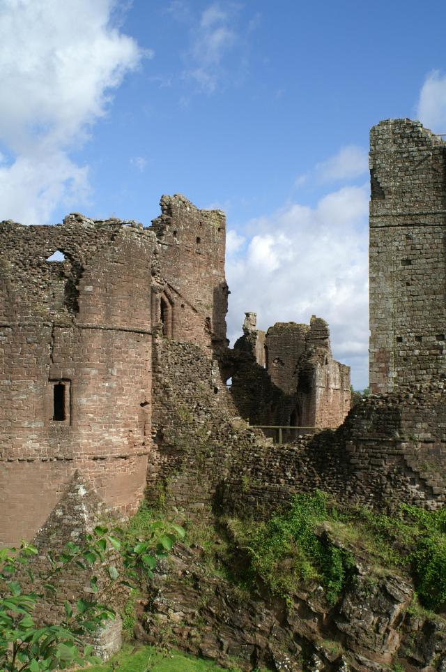 15 Heartwarming Things To Do In Herefordshire - Goodrich Castle