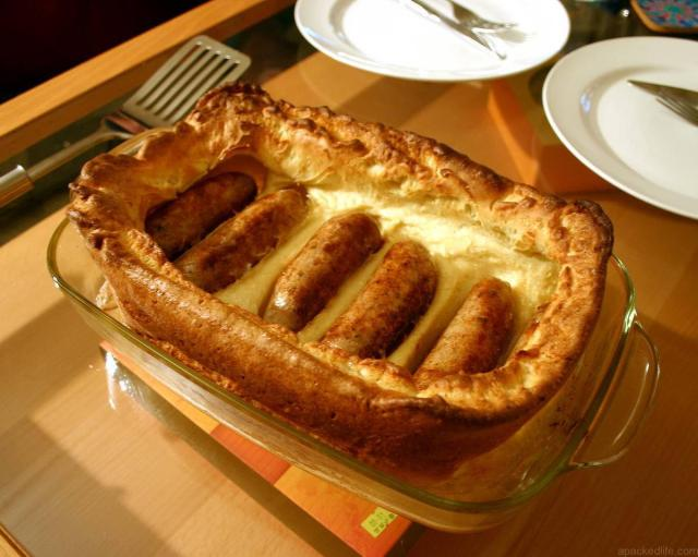 13 Ways To Eat Well For Less Traveling In The United Kingdom - Toad In The Hole