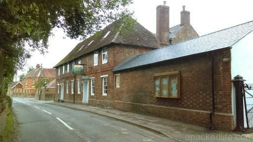 15 Hidden Treasures In The Vale Of White Horse, Oxfordshire - Letcombe Regis - The Greyhound