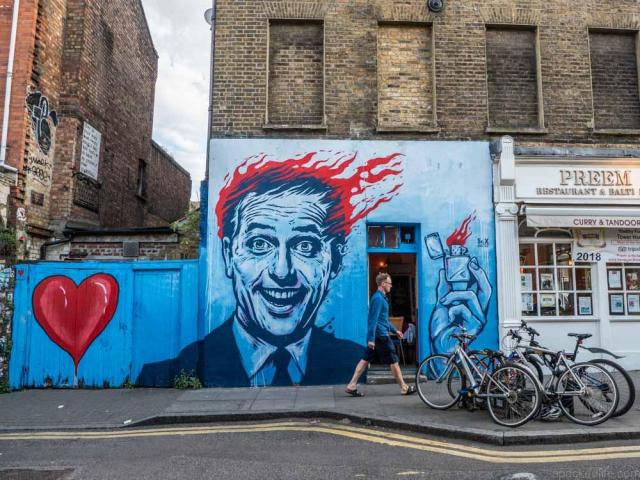 Cool or unusual things to do in England - London_Shoreditch_streetart_SRX