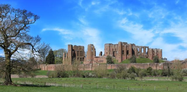 Britain's 17 Most Amazing Castles You Must Visit - Kenilworth Castle