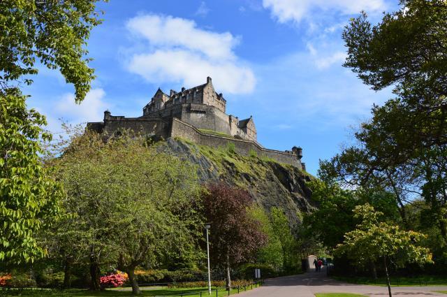 Britain's 17 Most Amazing Castles You Must Visit - Edinburgh Castle