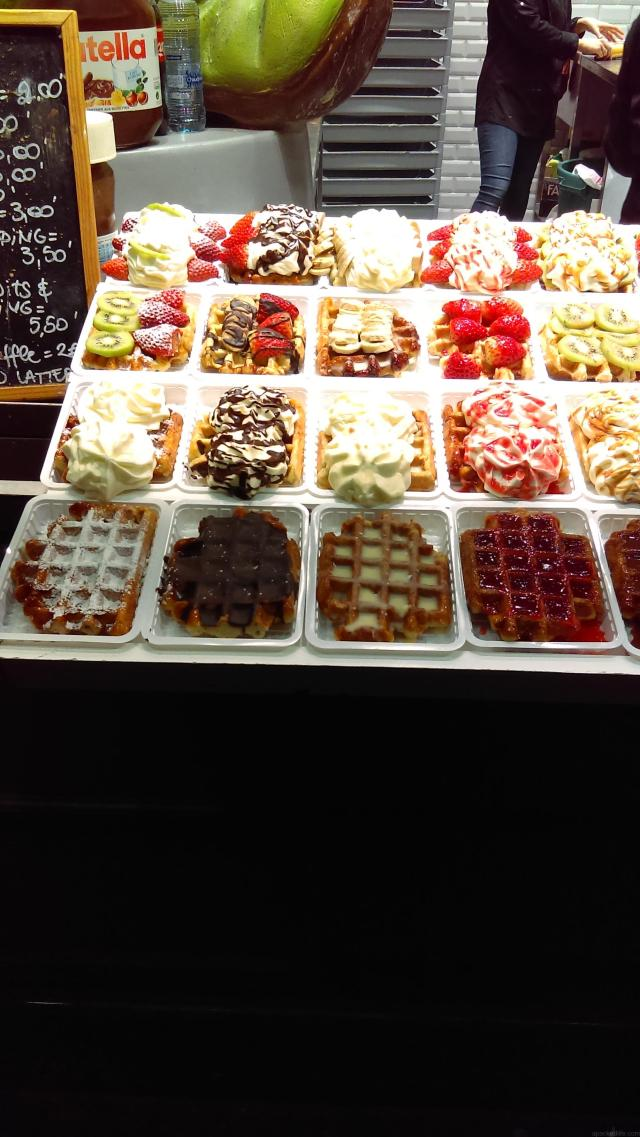 What To Do In Bruges In Just One Day - Waffles