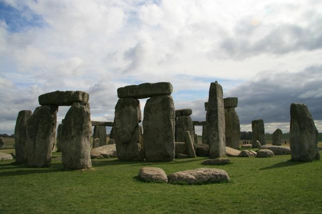 10 Day UK Trip Itinerary - 5 Beautiful Itineraries For Your Visit - Stonehenge