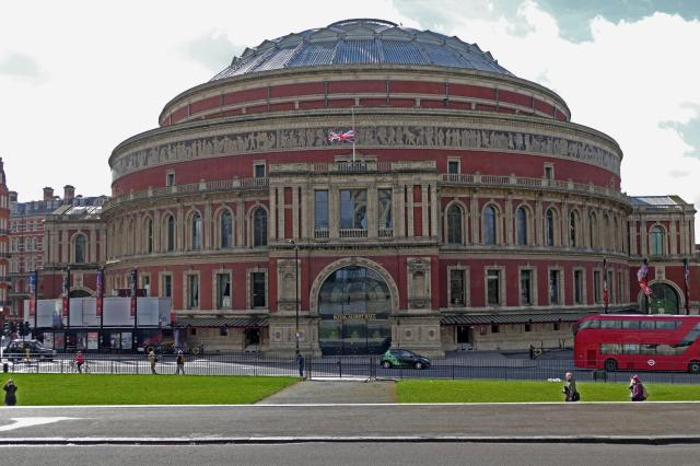 7 Cool Bucket List UK Destinations For Music Lovers - Royal Albert Hall, London
