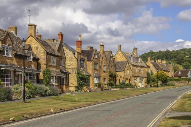 Visiting The 21 Prettiest Towns And Villages In The Cotswolds - Broadway village