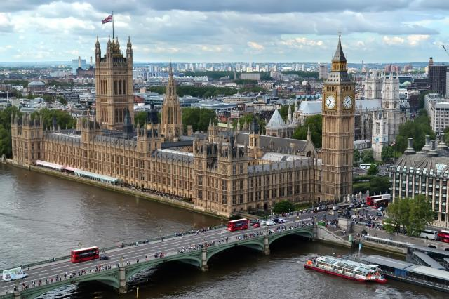 London - Westminster Bridge and the Palace of Westminster, Houses of Parliament and Big Ben