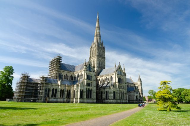 10 Day UK Itinerary by Public Transport - Salisbury Cathedral