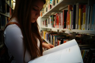 Còpia de Biblioteca MACBA (11)